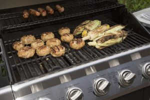 Gas Barbecue Grill mit Essen